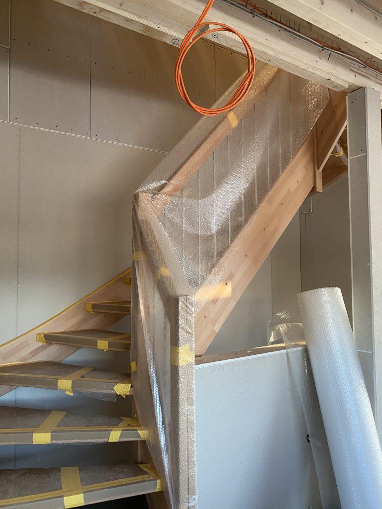 Buchen Treppe montiert