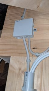Leitungen Dachboden